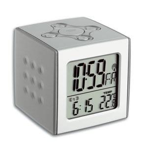 Funkwecker Cubo TFA 60.2517 mit Temperaturanzeige